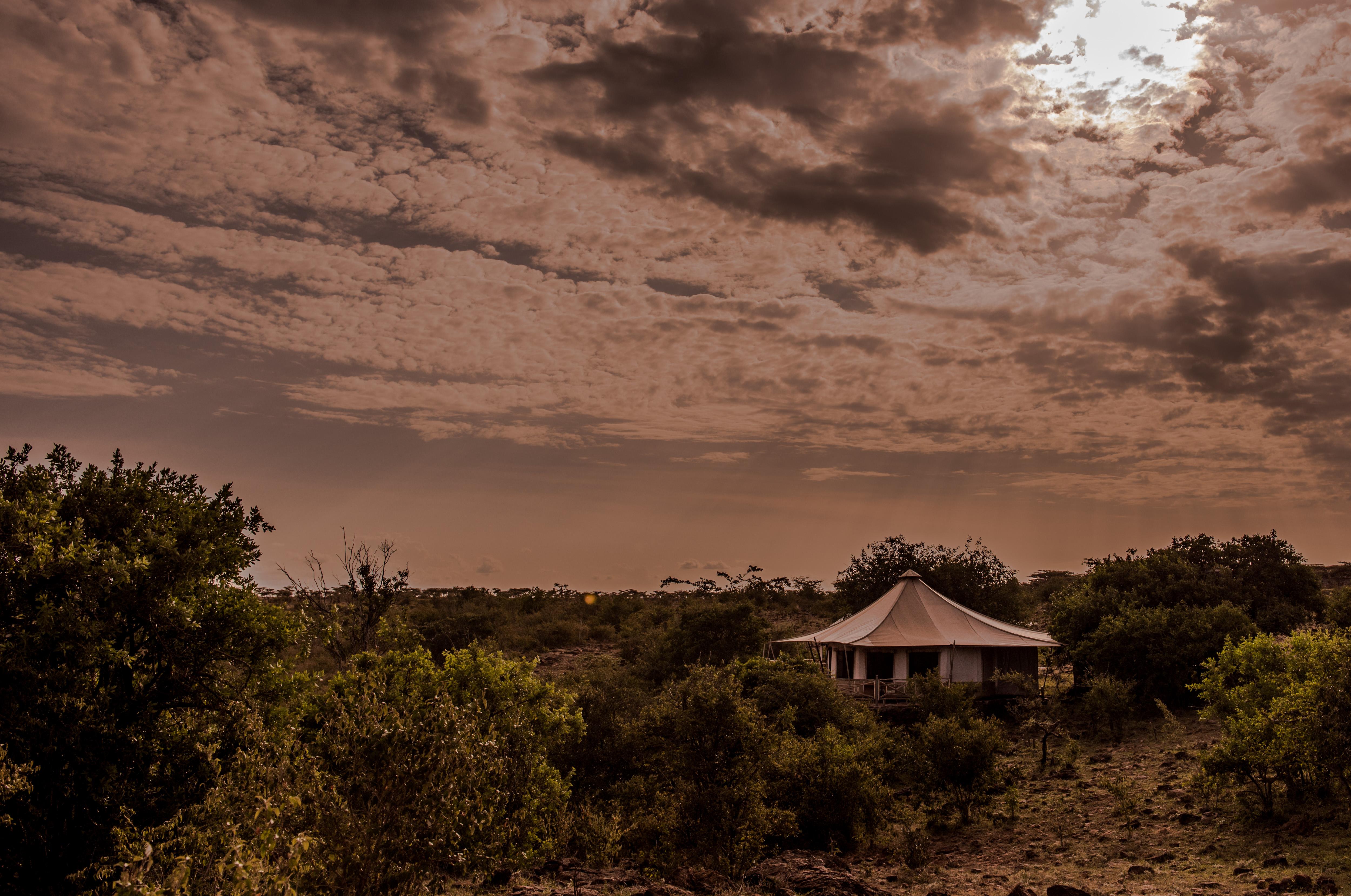 Ol_Seki_Hemingways_Mara-Simba_Tent_Exterior-Kenya
